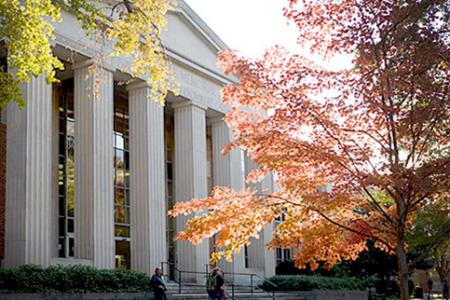 Photo of UGA Main Library  - front facade